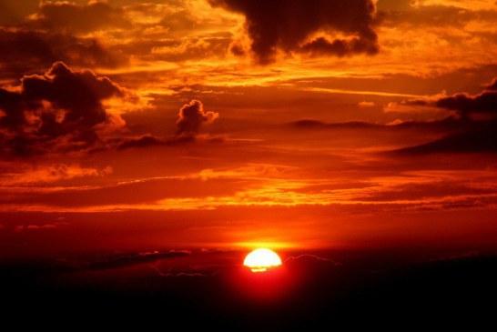چرا هنگام غروب آسمان قرمز است؟