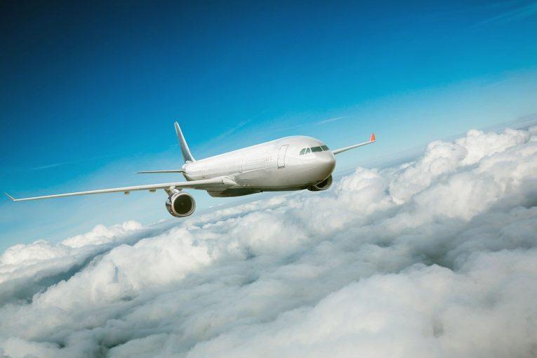 چگونه هواپیماها بر نیروی جاذبه غلبه کرده و پرواز می کنند؟