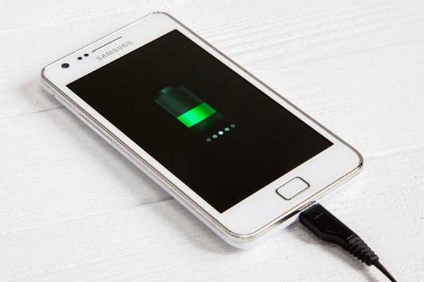 دلیل-دیر-شارژ-شدن-گوشی-و-راهکار-مقابله-با-آن