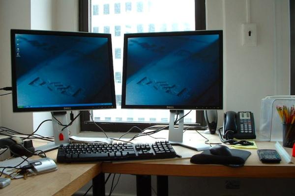 اتصال چند مانیتور به کامپیوتر